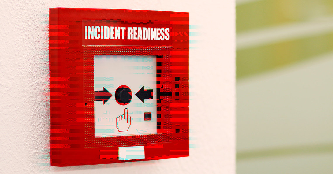 """Im Fall der Fälle muss es schnell gehen. Deshalb müssen vor einem IT-Sicherheitsvorfall Maßnahmen getroffen werden, um schnell den """"Digitalen Feuermelden"""" auslösen zu können."""